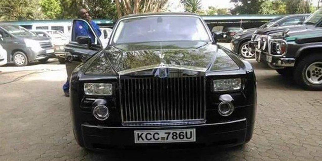 Kidero's Black Rolls Royce Phantom car SRC: @Kenyans